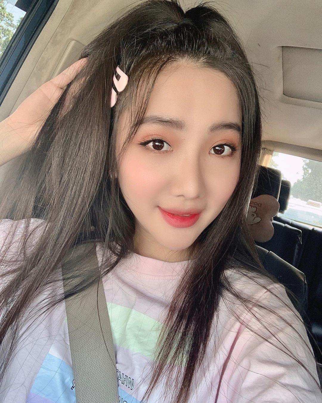 Hsu Eaint San Black Hairstyle For Girls, Beautiful And Cute Girls, Lip Makeup