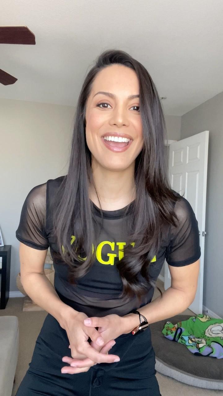Raquel Pomplun t-shirt clothing ideas, Black Hairstyle Ideas, Long Hair Cut Women