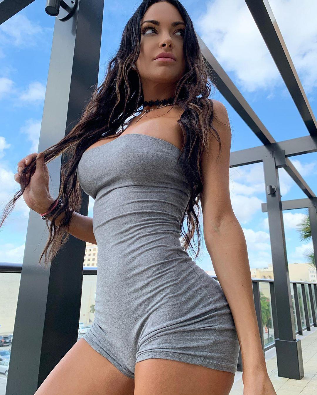 Nienna Jade hot girls photoshoot, woman thighs, legs pic