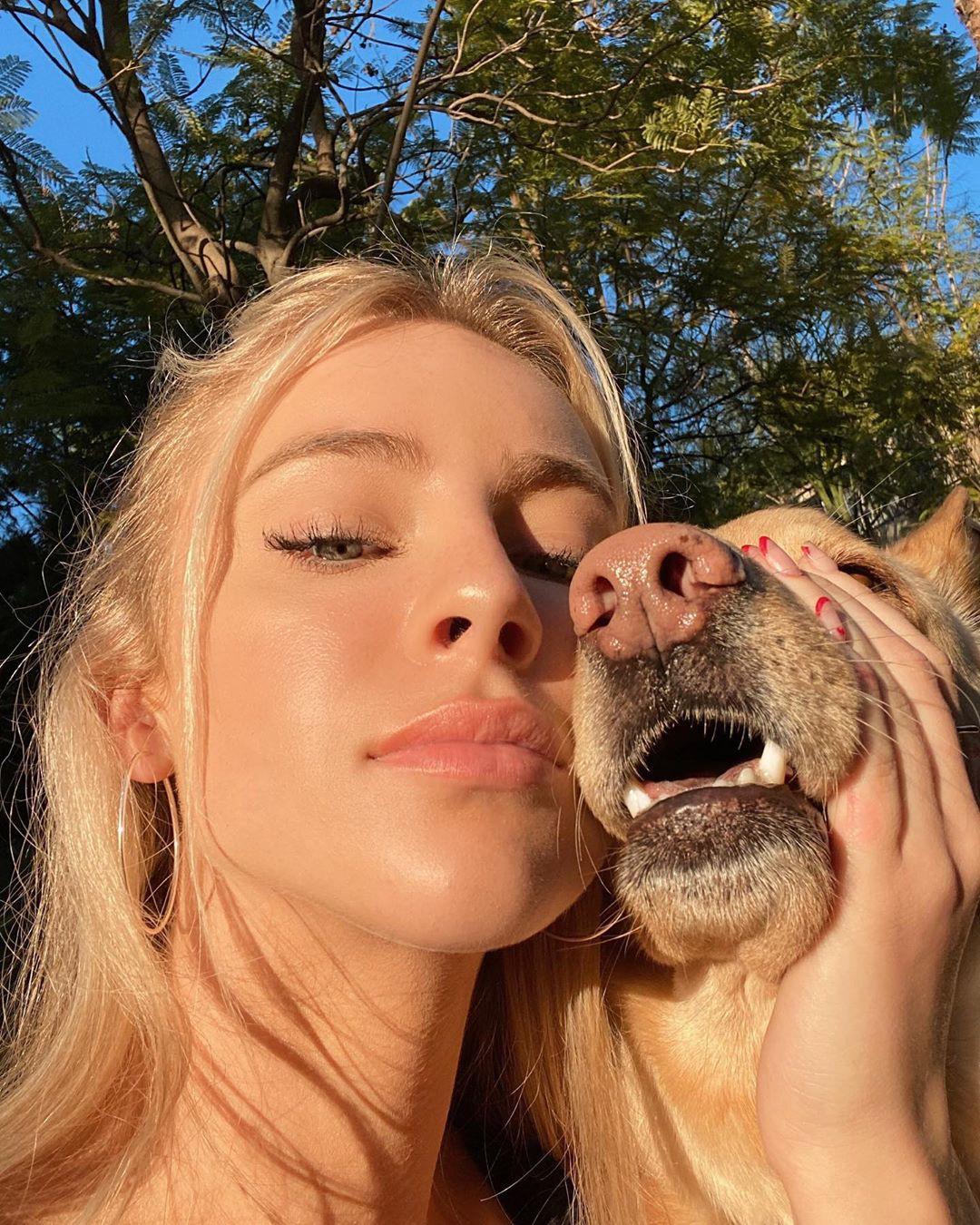 Daisy Keech outdoor fun, Cute Face, Beautiful Lips