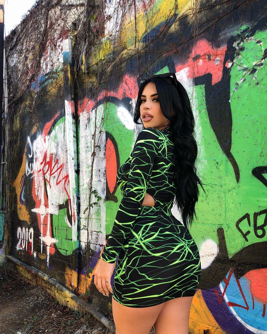 Valeria girls photoshoot, Cool Girls, wardrobe ideas