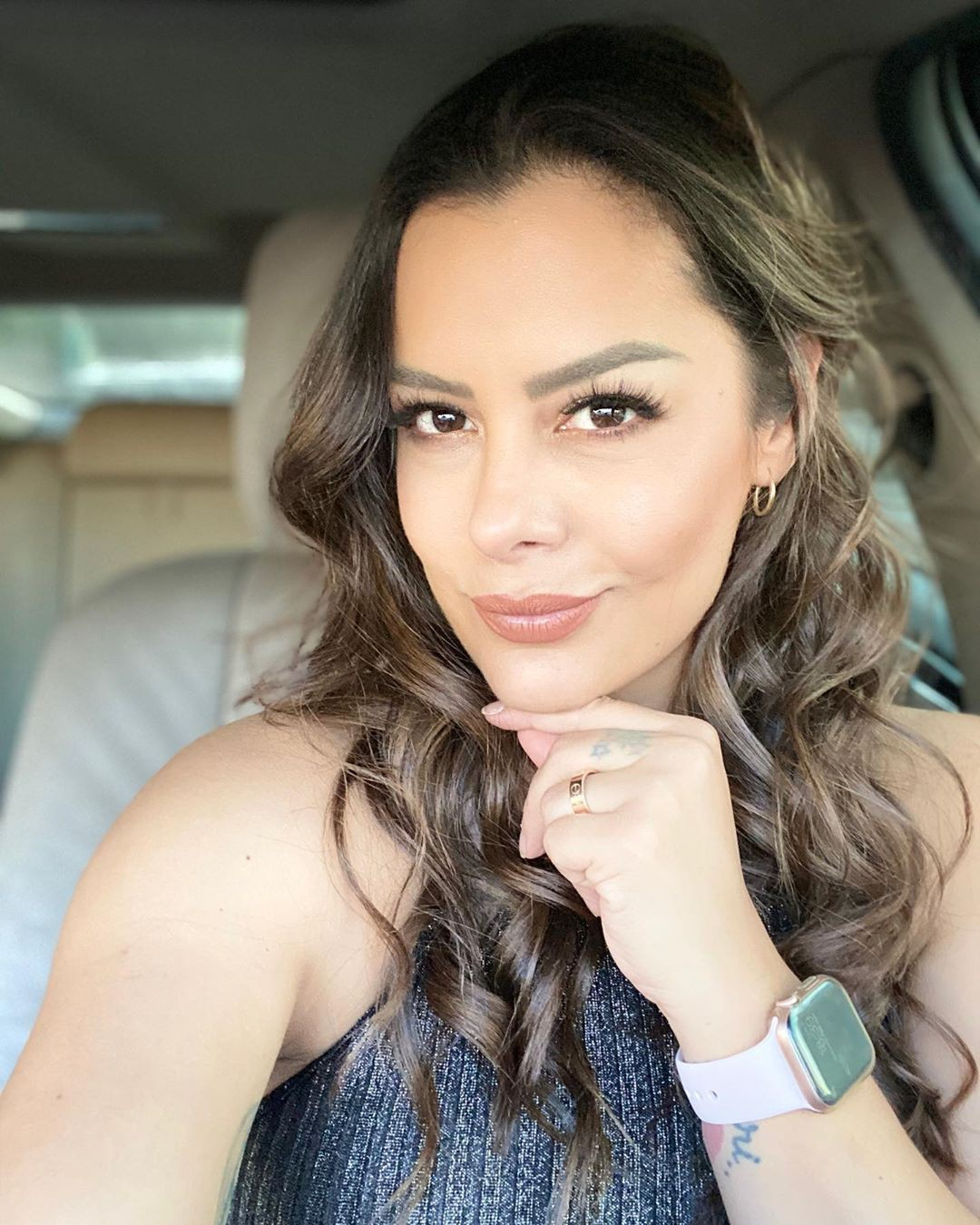 Lari Riquelme Face Makeup Ideas, Natural Glossy Lips, Easy Long Hairstyles