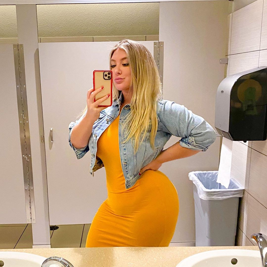 yellow matching style with dress, cute girls photos, natural blong hairs