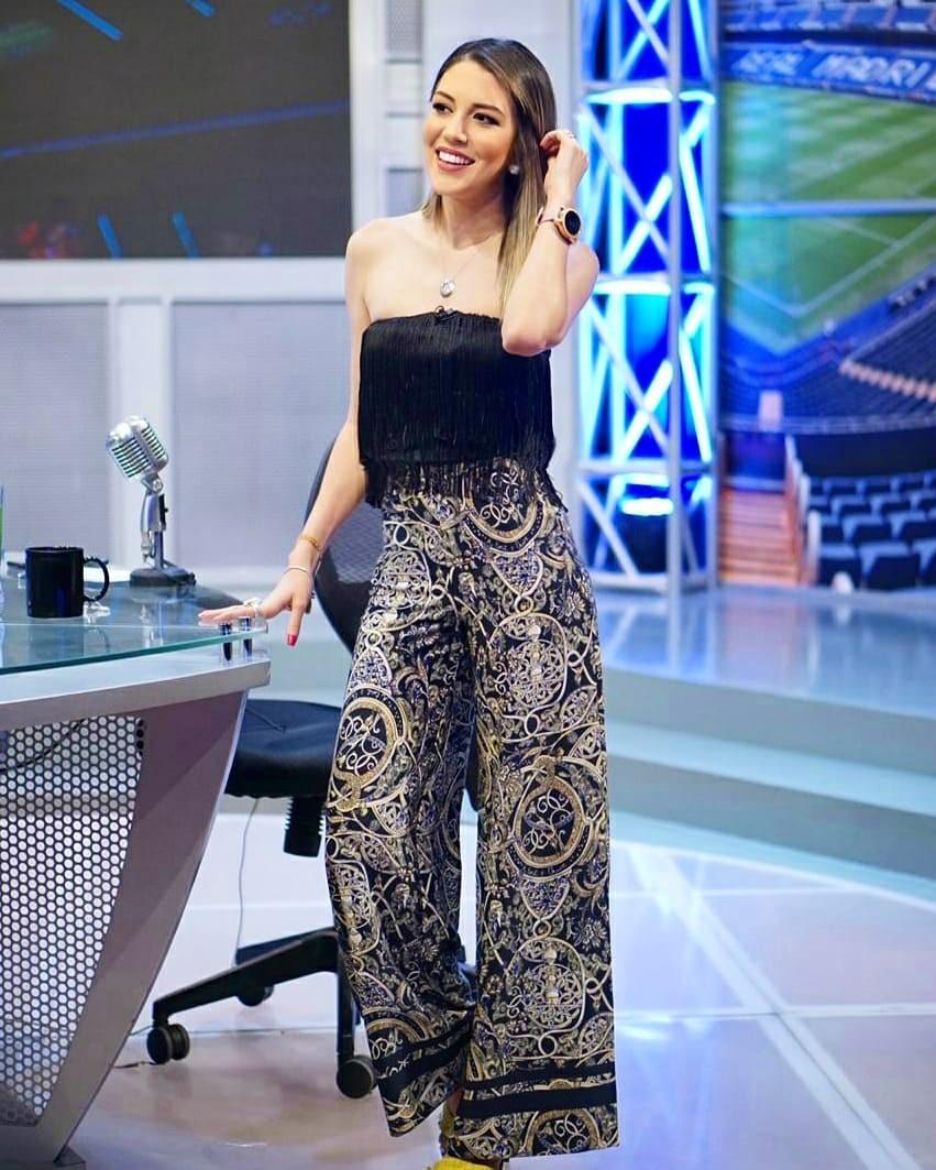 Alejandra Inestroza dress trousers trendy clothing ideas, legs pic