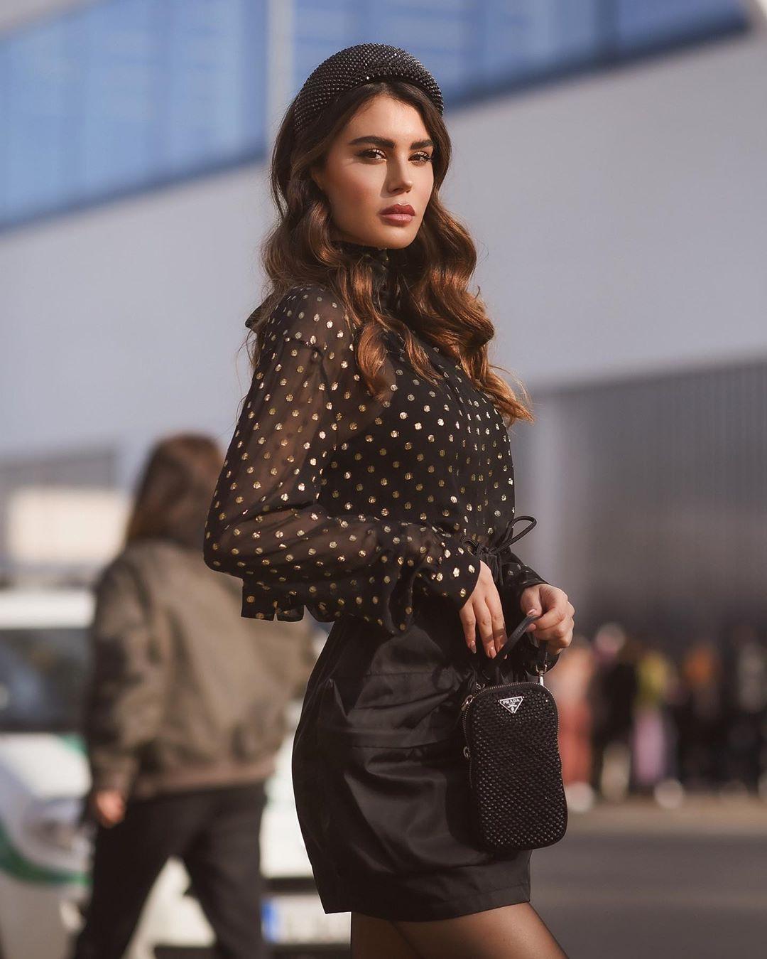 Silvia Caruso dresses ideas, Hot Model Wallpaper, apparel ideas