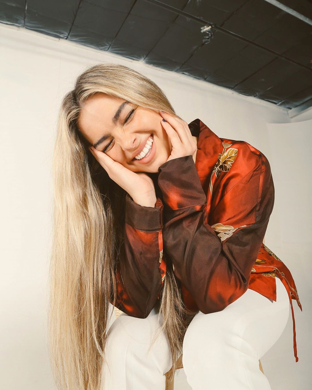 Addison Rae photography for girl, having fun, in blond hairs