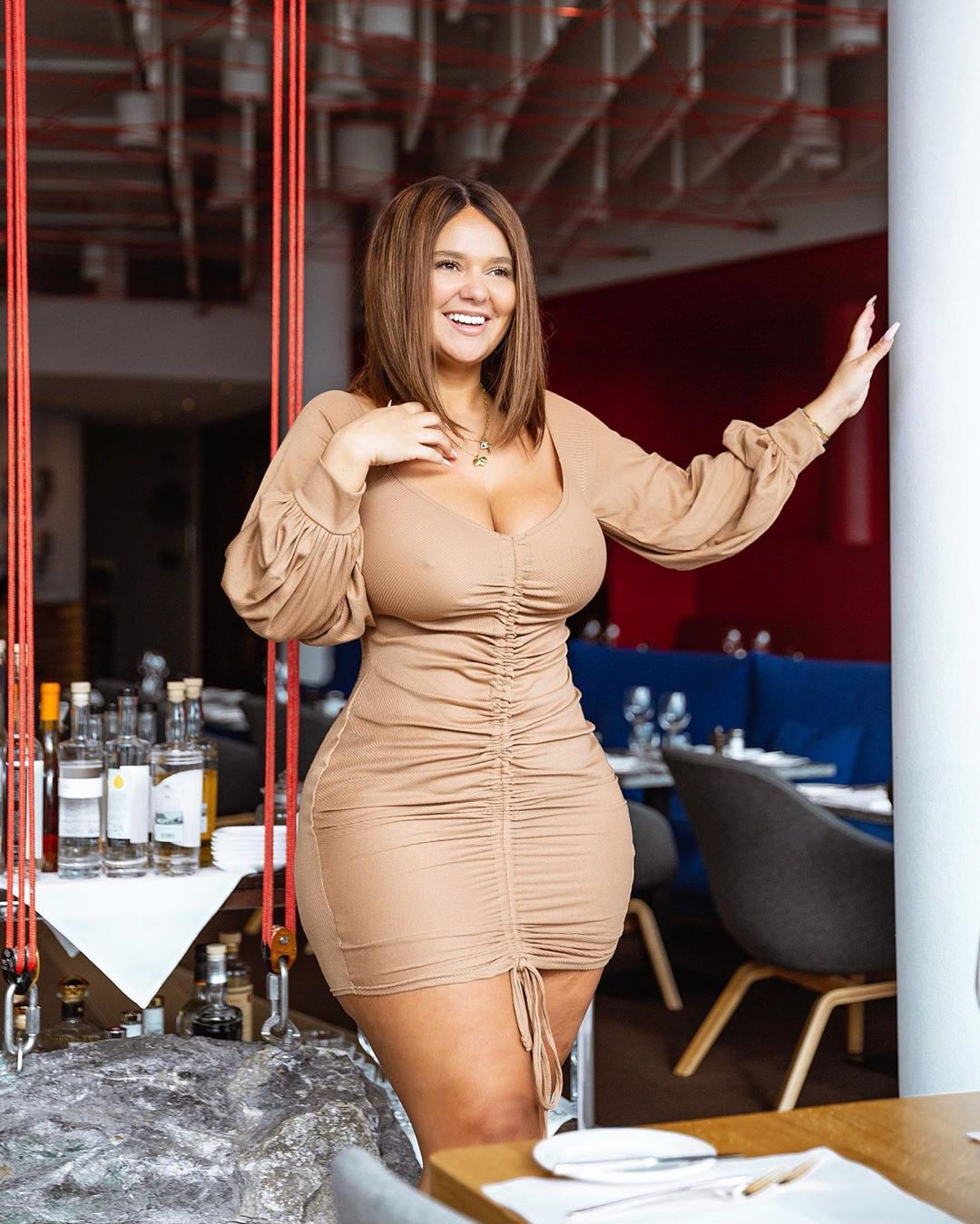 Pamela Alexandra dress colour outfit ideas 2020, fine legs, Easy Long Hairstyles