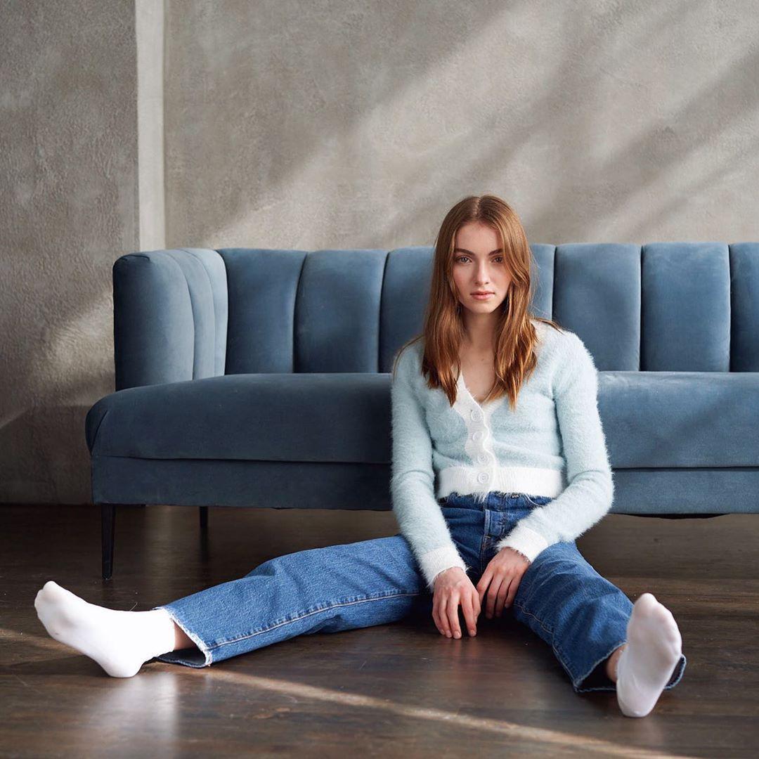 Lauren Orlando jeans colour outfit ideas 2020, girls instagram photos, hot legs