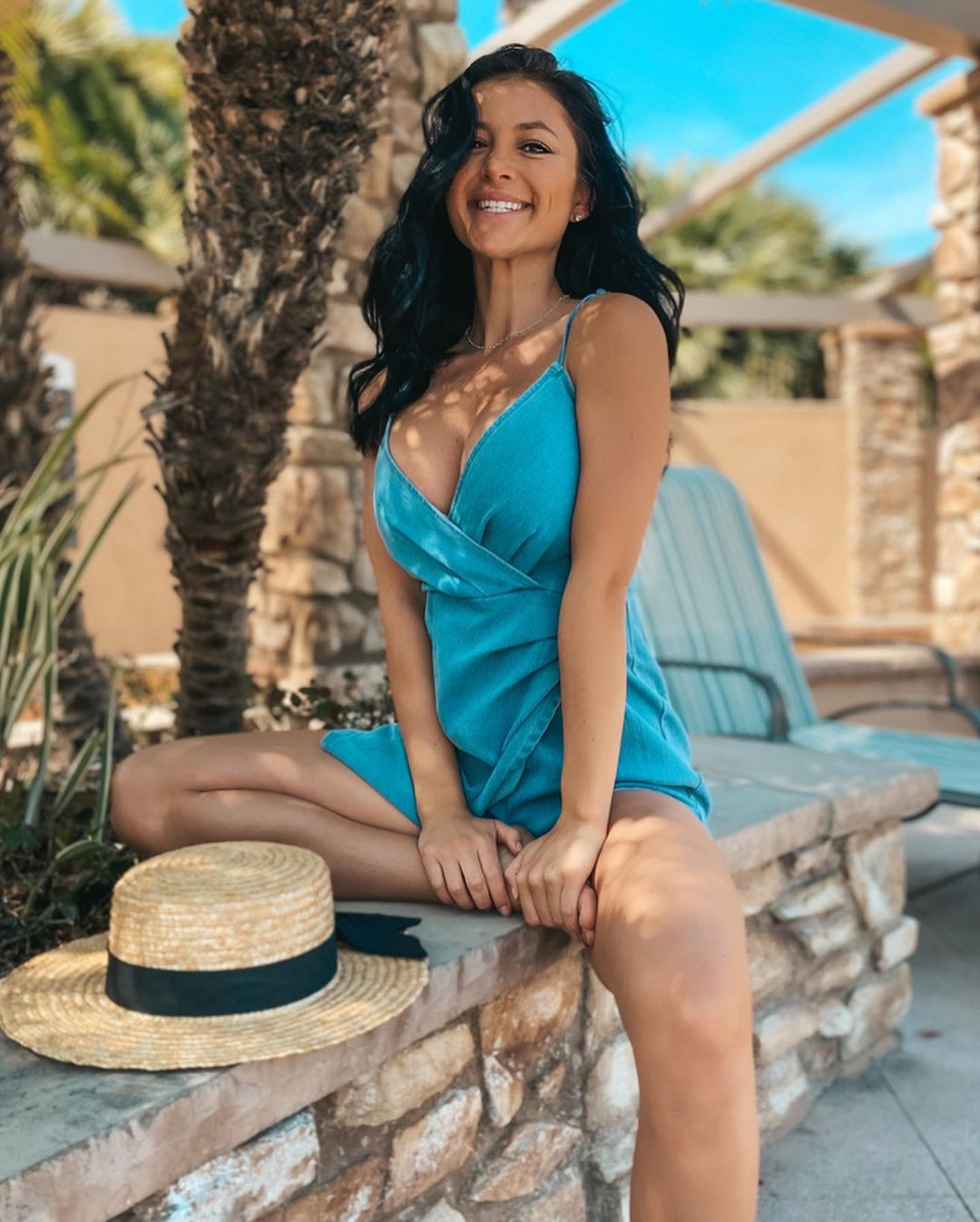 turquoise outfits for women with dress, girls photoshoot, hot legs