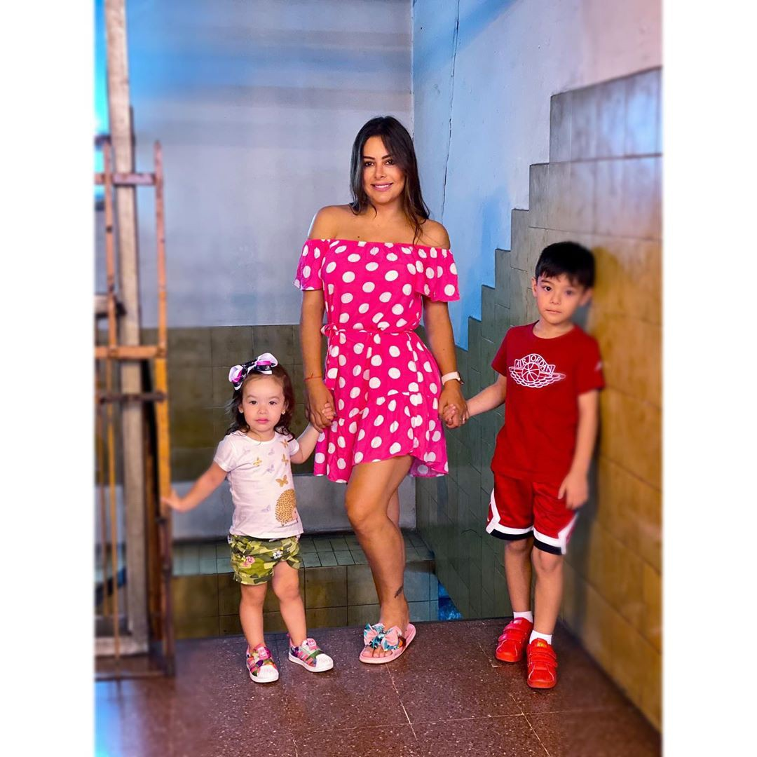 Lari Riquelme dress outfits for girls, photography for girl, fashion ideas