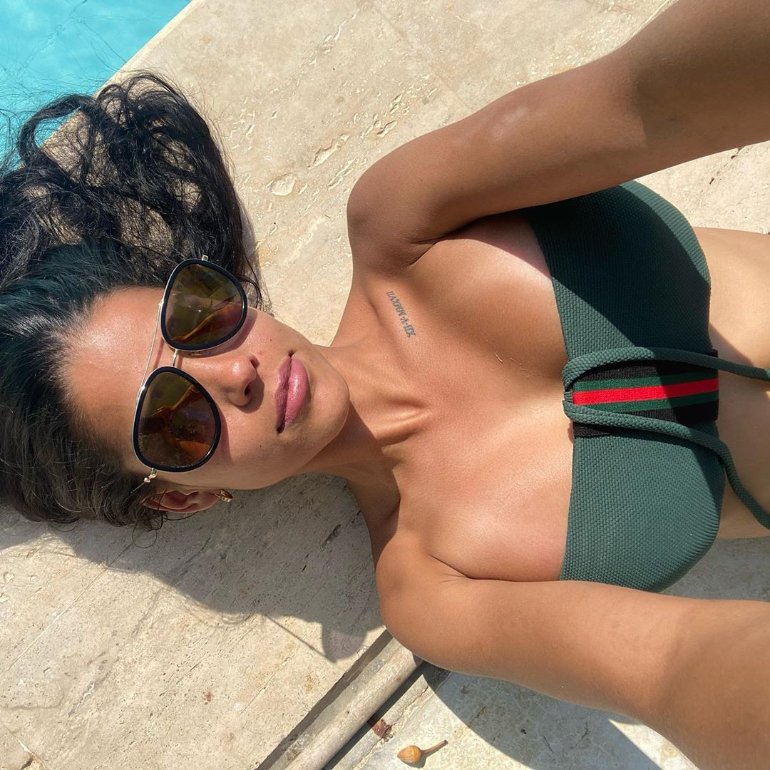 Daniela Baptista bikini swimwear dress for girls, hot legs photos