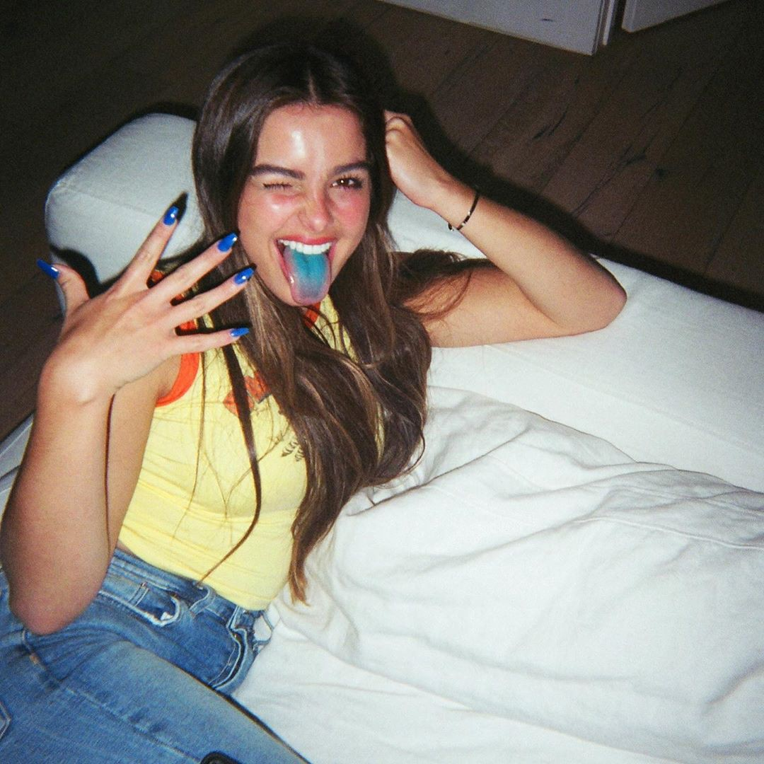 Addison Rae fun pic, Lips Smile, Cute Long Hairstyles