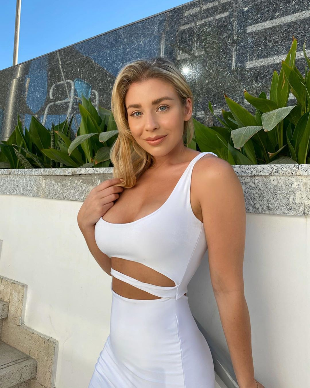 white colour dress with dress, photoshoot poses, blond hairs pic