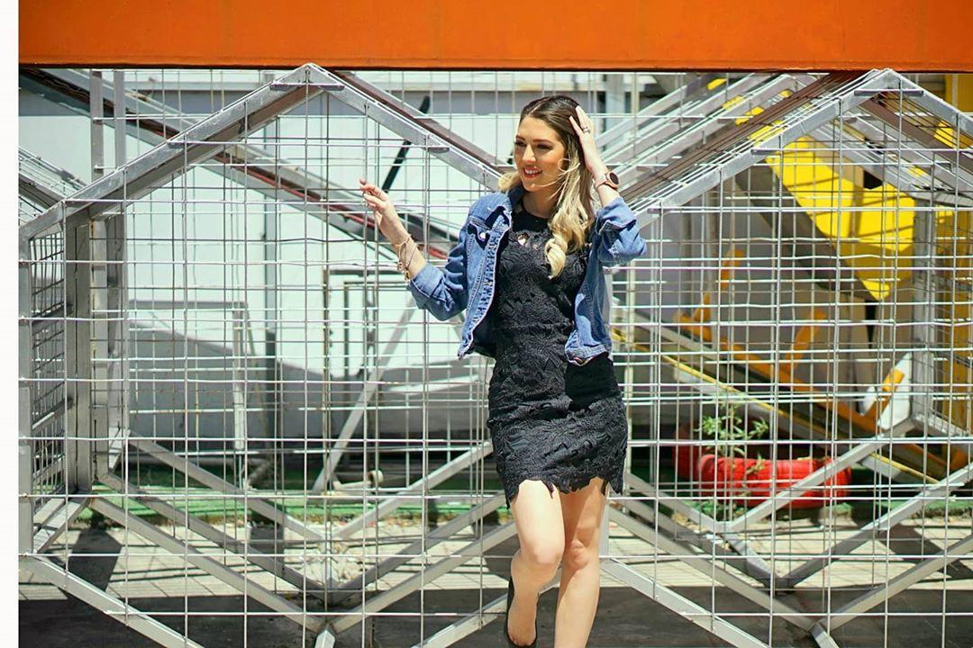 Alejandra Inestroza shorts, denim matching ideas for girls, photoshoot poses