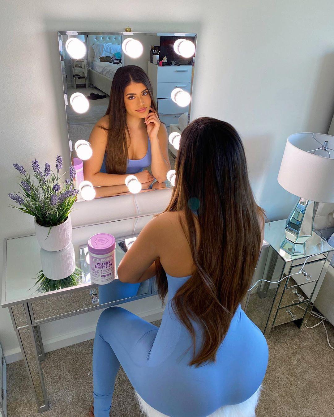 Daniella Salvi hot legs, Black Hair Color, Long Layered Hair