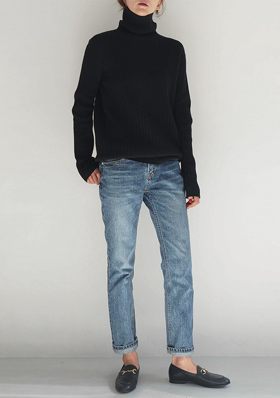 Colour outfit ideas 2020 with business casual, sweater, denim, jeans