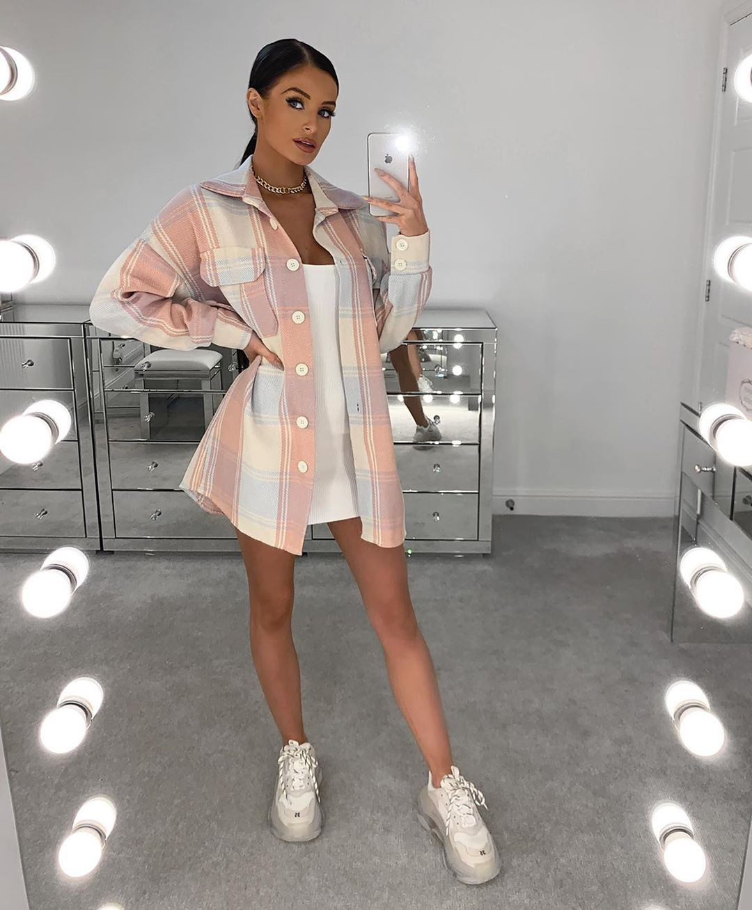 White and pink dress, shoe, fashion tips