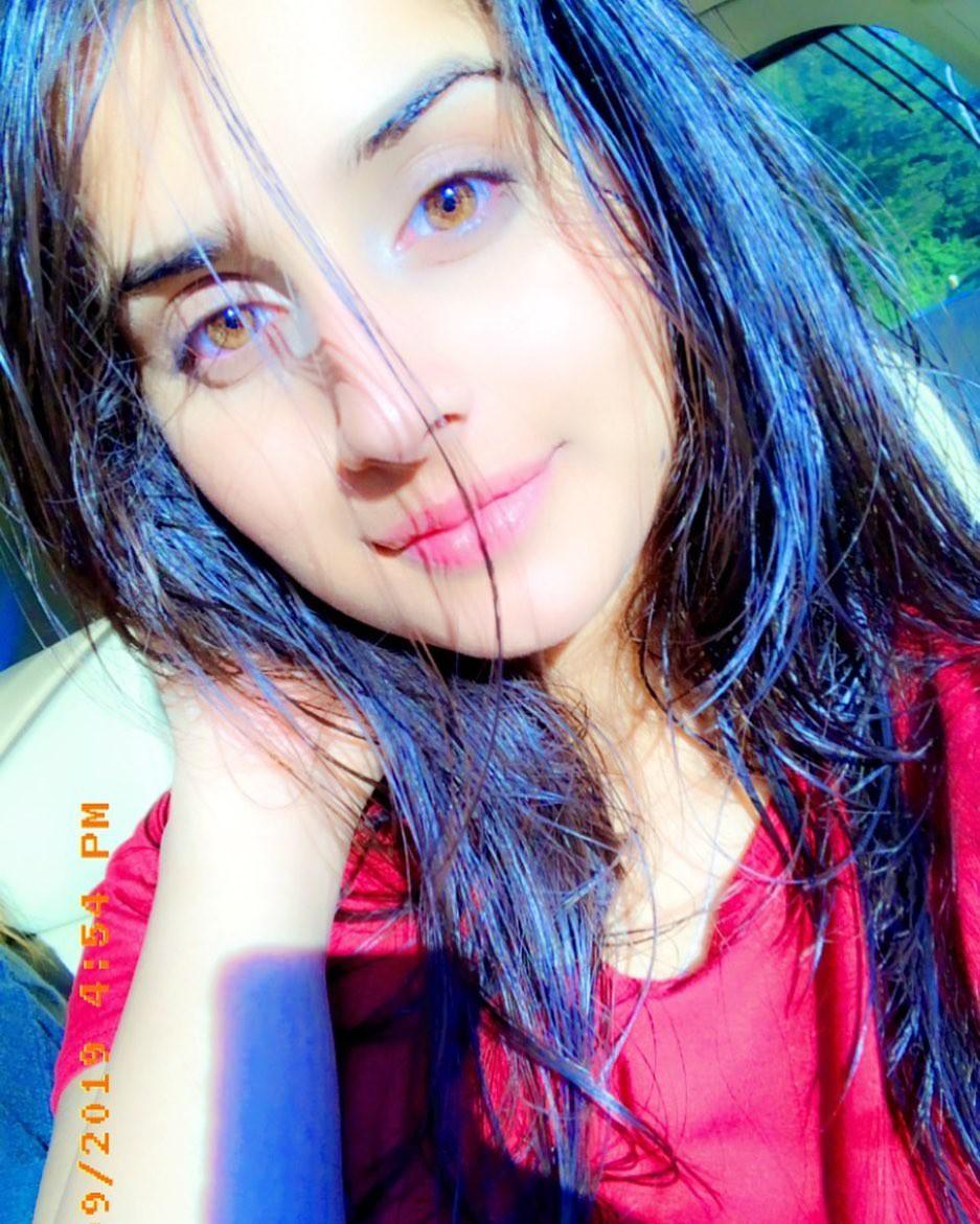 Alishbah Anjum Cute Girls Face, Lip Makeup, Hair Style