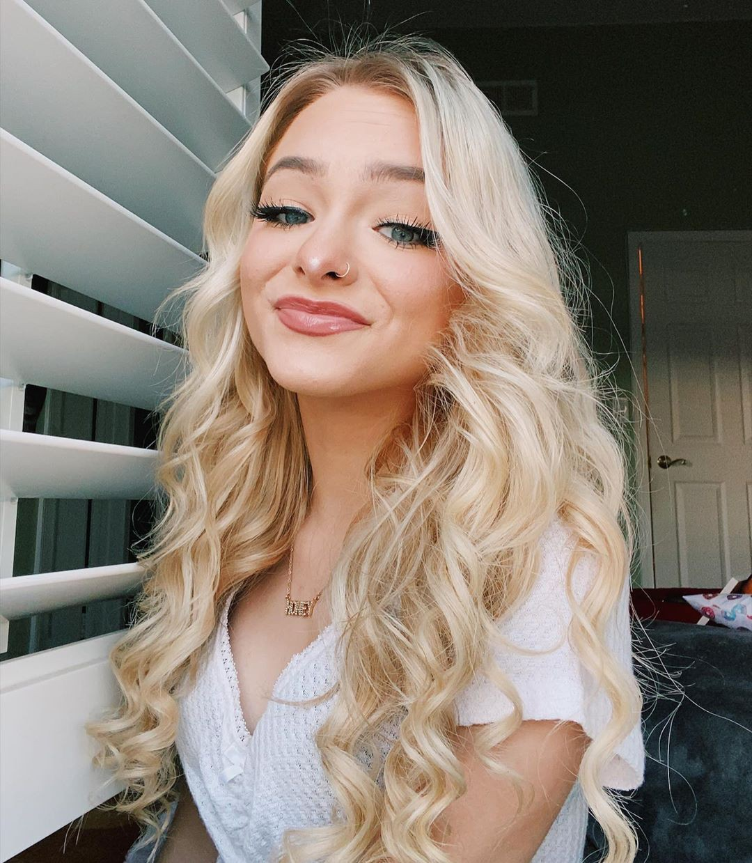 Zoe Laverne in blond hairs, Cute Girls Face, Beautiful Lips