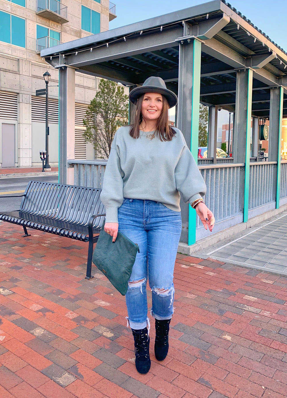 Blue colour outfit with leggings, shorts, jeans