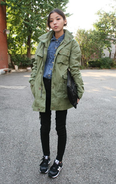 Colour combination with trousers, leggings, overcoat