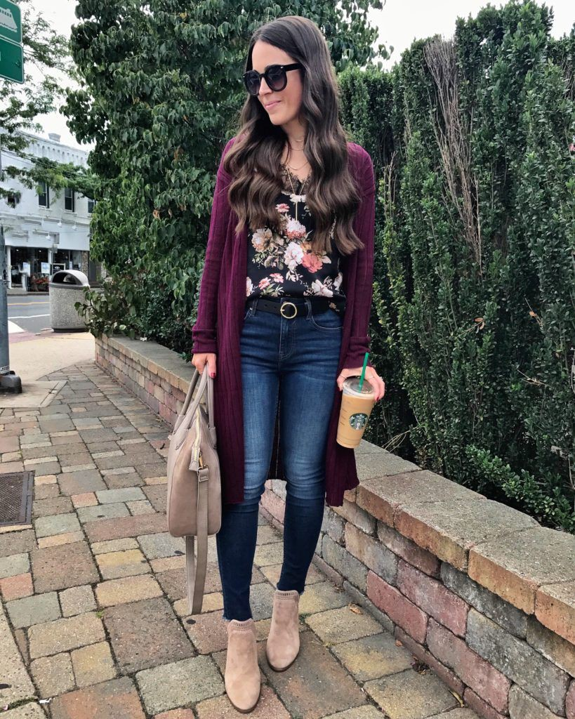 Maroon and brown classy outfit with leggings, sweater, jacket