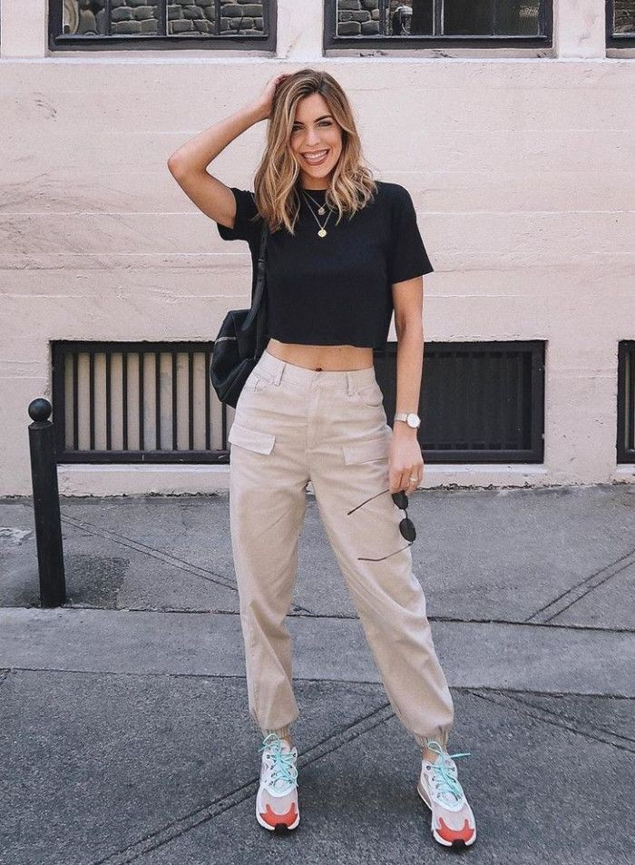 White style outfit with sweatpant, crop top, jeans