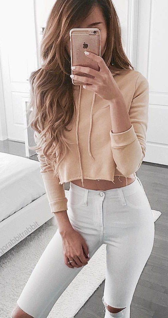 Beige and white outfit ideas with crop top, hoodie, denim