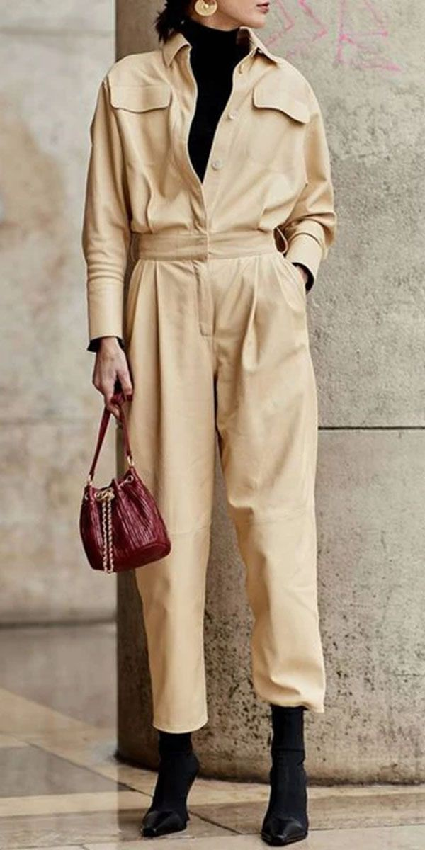 Beige outfit with trench coat, trousers handbag