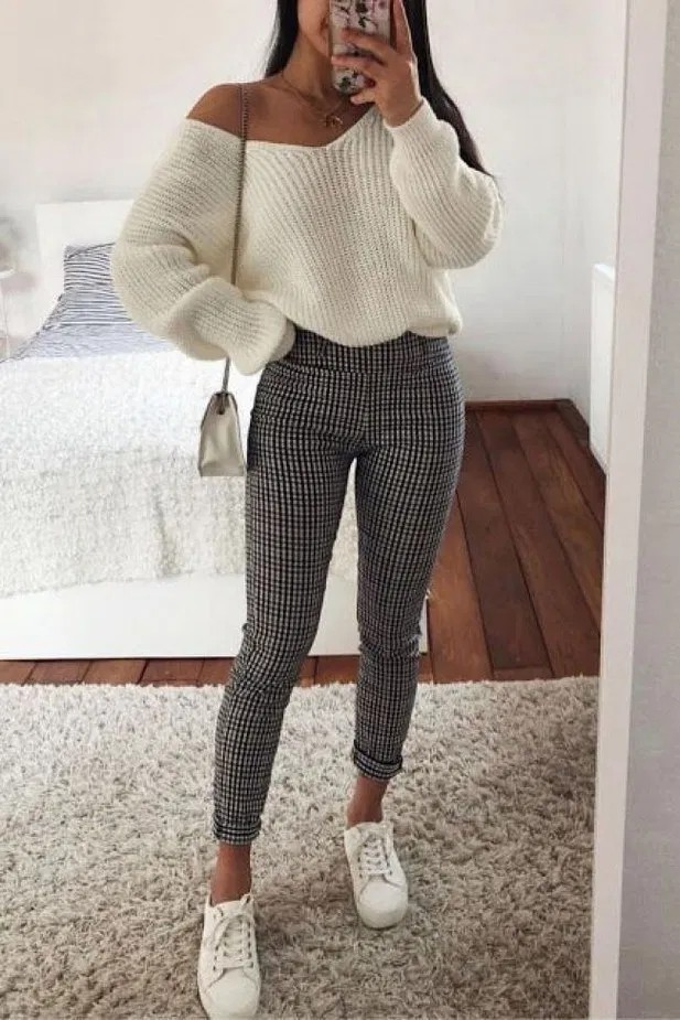 Black and white outfit Pinterest with sportswear, trousers