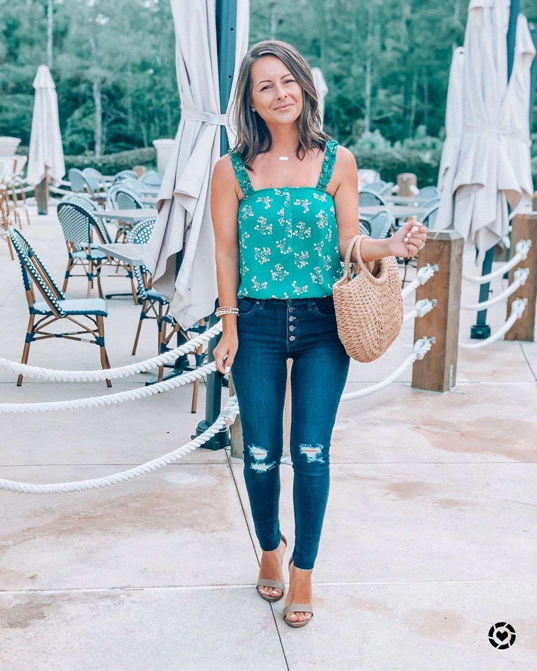 Turquoise and white colour outfit ideas 2020 with leggings, denim, jeans