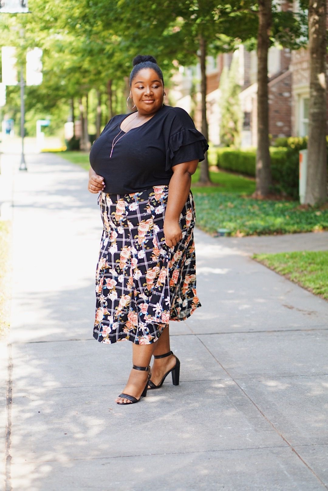 White colour outfit ideas 2020 with pencil skirt, polka dot, denim