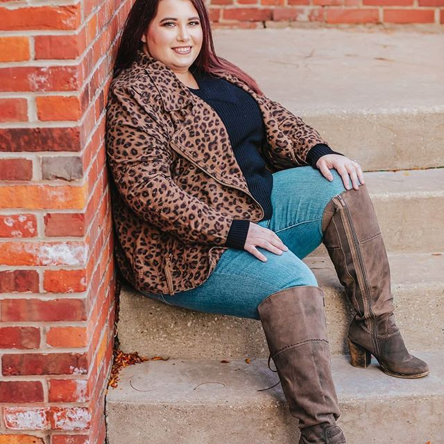 Turquoise and brown style outfit with sweater, jacket, jeans