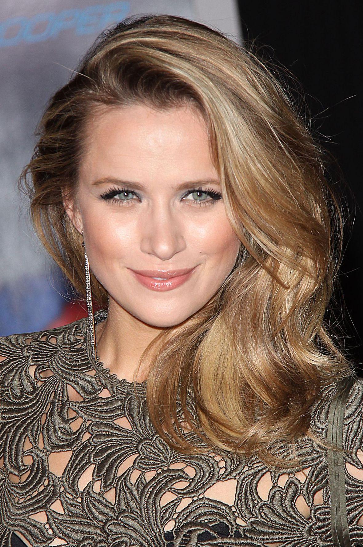 Shantel VanSanten blond hairstyle, Pretty Face, Long Hair Girl