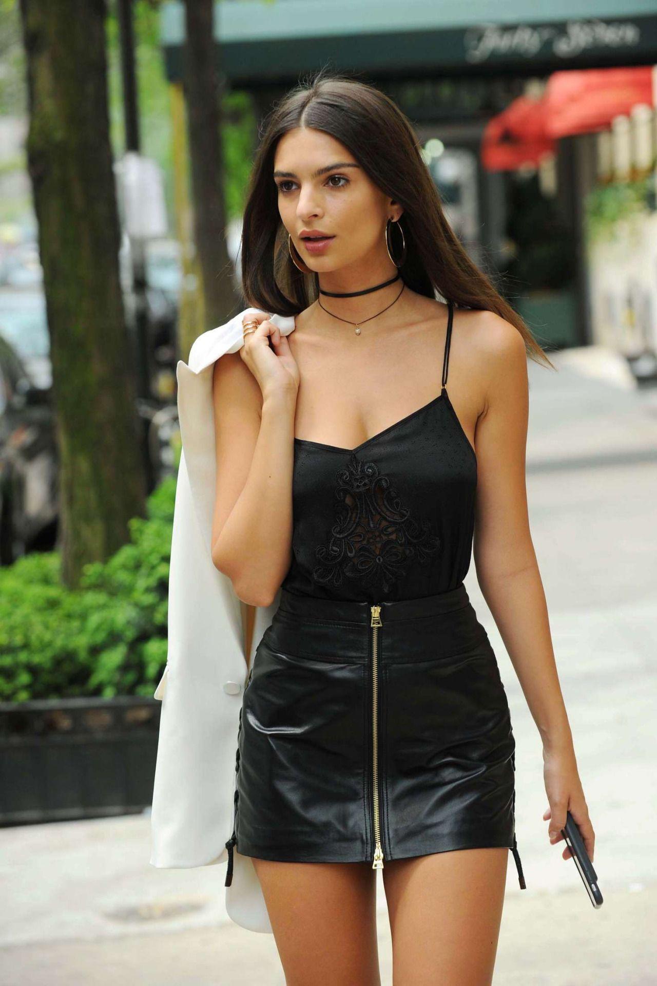Emily ratajkowski mini skirt little black dress, emily ratajkowski