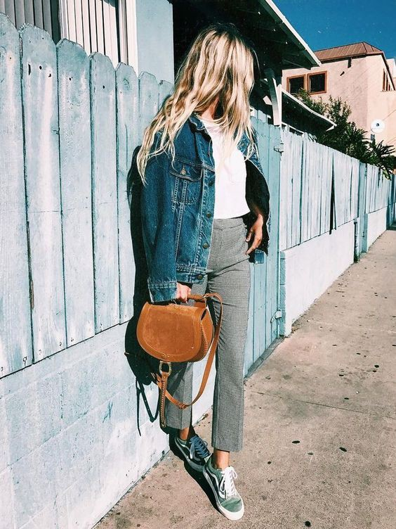 Outfit instagram vans azules look, street fashion, jean jacket