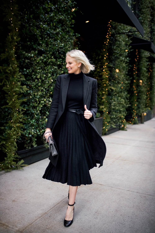 Black pleated skirt outfits black pleated skirt, little black dress