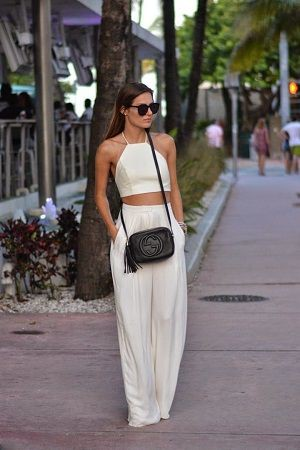 White trouser summer holiday outfit