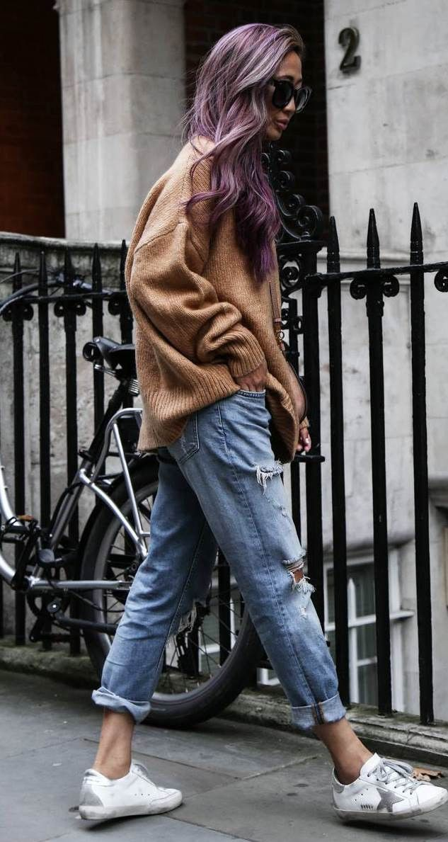 Colour outfit, you must try with mom jeans, sweater, denim
