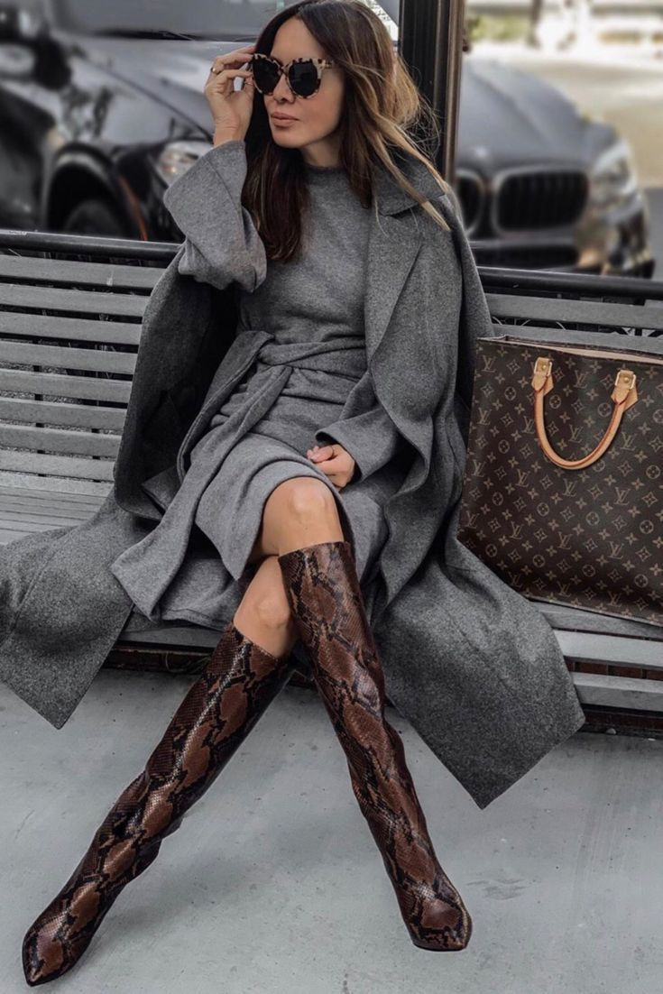 Brown colour outfit ideas 2020 with stocking, tights