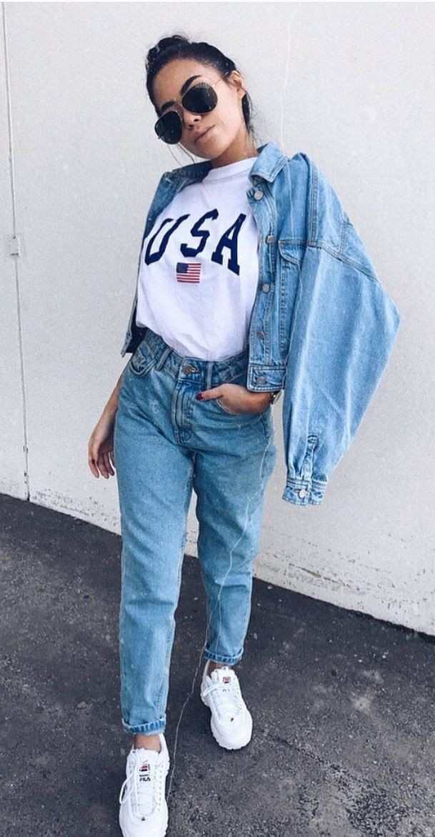 Boyfriend jeans outfit ideas with sneakers