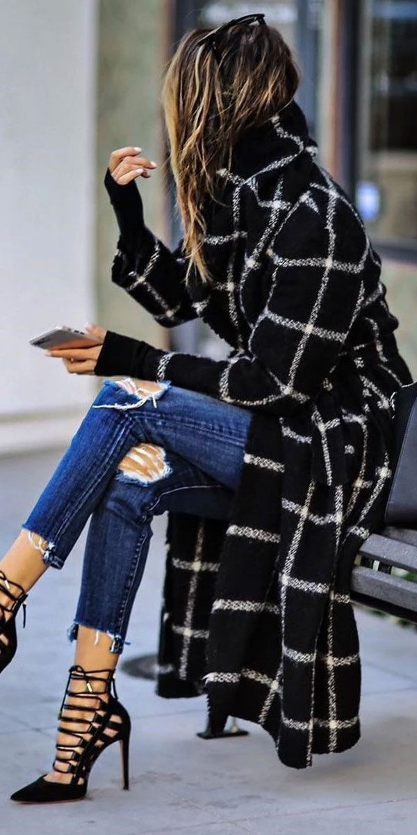 Trench coat outfit women winter