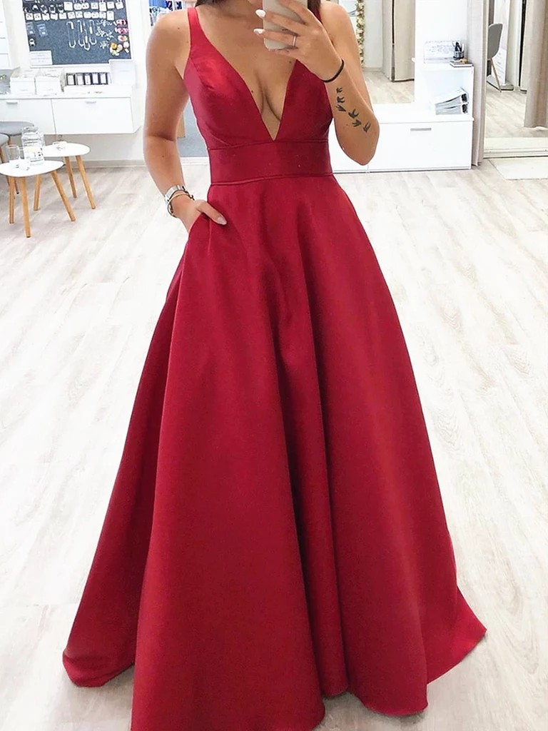 Red colour outfit, you must try with bridal party dress, cocktail dress, wedding dress