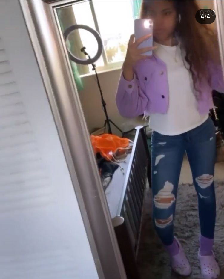 Purple and pink fashionnova with sportswear, leggings, tights
