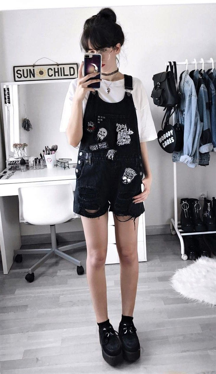 Outfit instagram choker outfit ideas, gothic fashion, t shirt