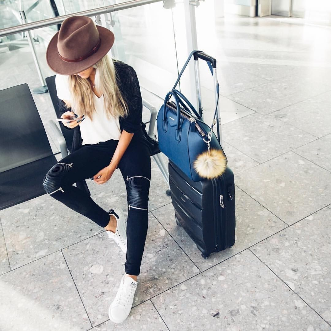 Instagram dress travelling airport inspo, inspiration airport, adventure travel, street fashion