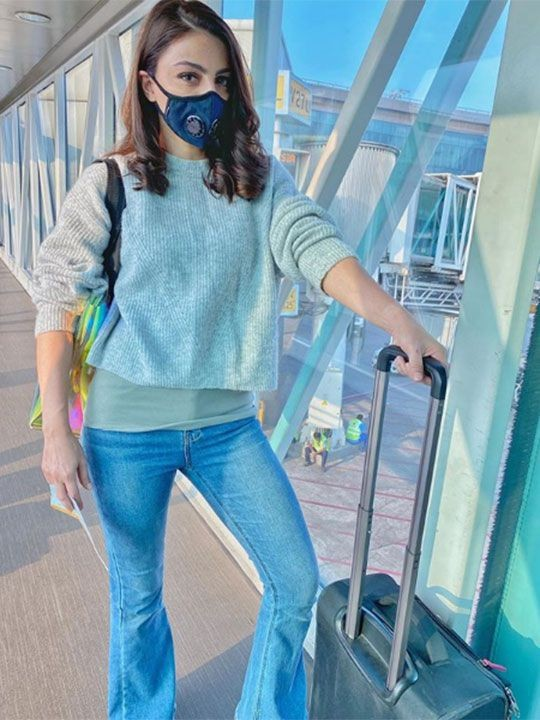 Coronavirus Outfit Airport
