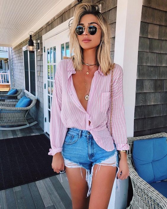 Style outfit ripped shorts outfit, street fashion, jean short, t shirt