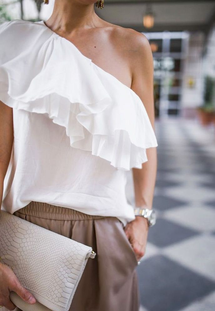 White classy outfit with blouse, jeans