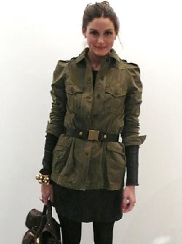 Khaki colour outfit ideas 2020 with trench coat, overcoat, uniform
